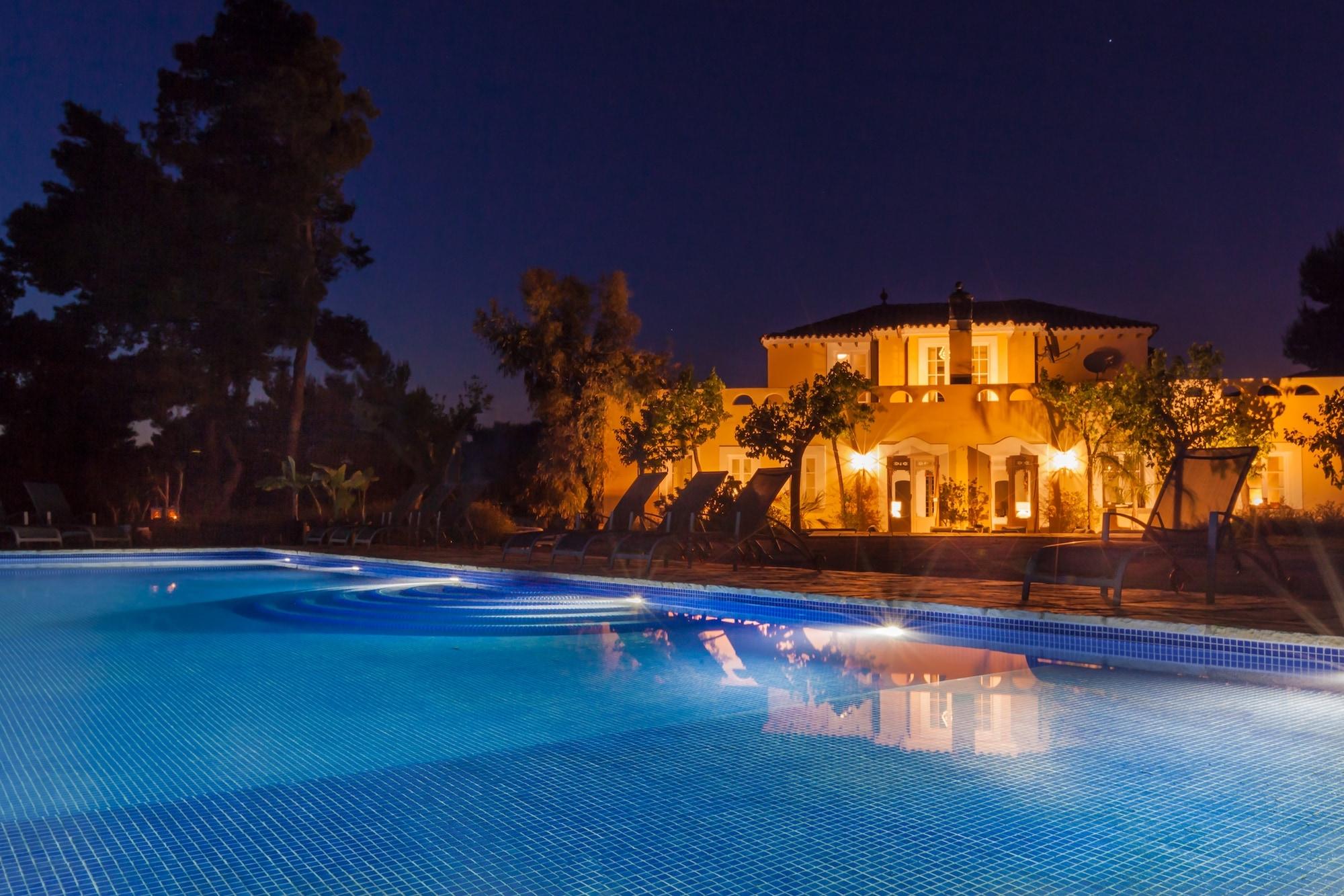 booking the perfect villa - Casa Nova Estate, Sitges Luxury Rentals